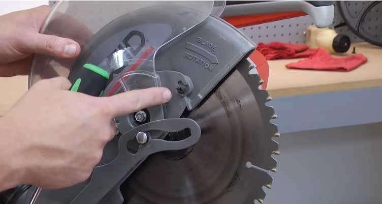 how to change blade on ryobi miter saw